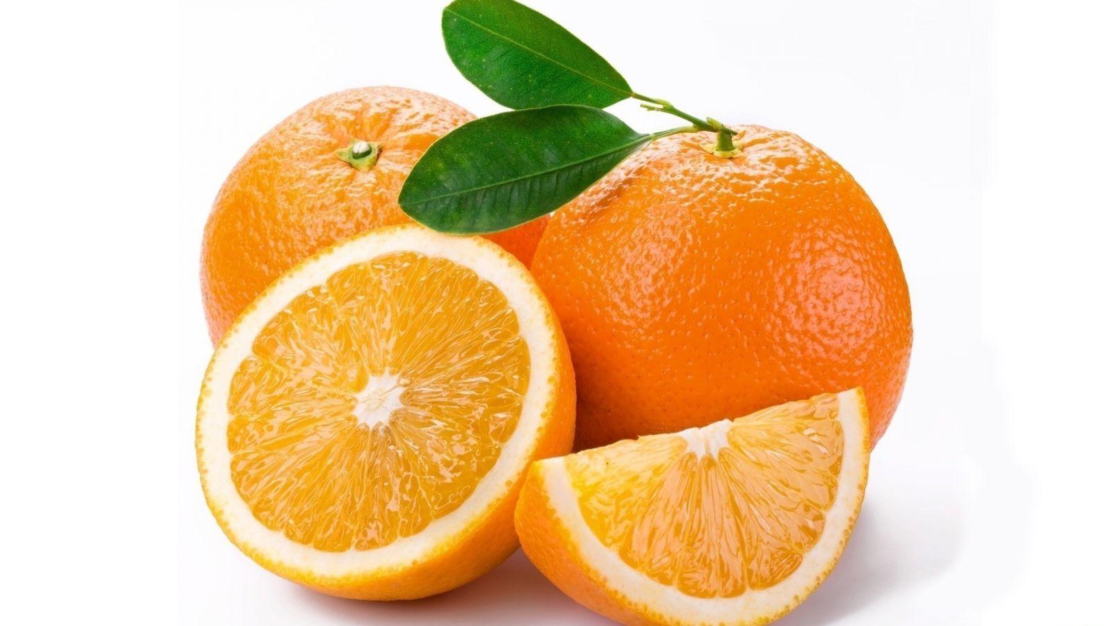 Можно ли кушать на ночь апельсины
